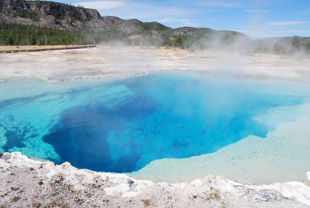 Deep blue pool Yellowstone