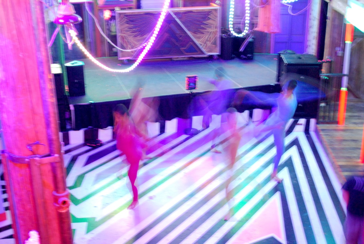 Meow Wolf dancers