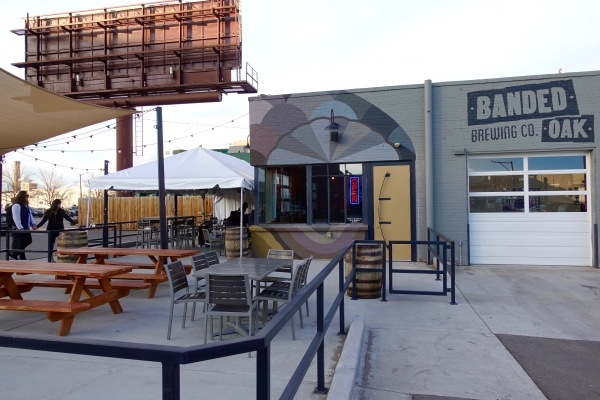 Banded Oak Brewing Company patio