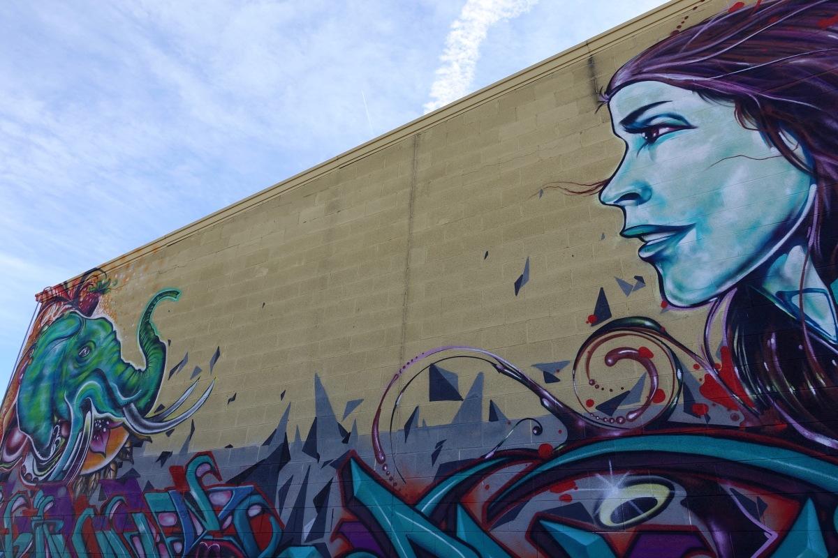 31st and walnut street art