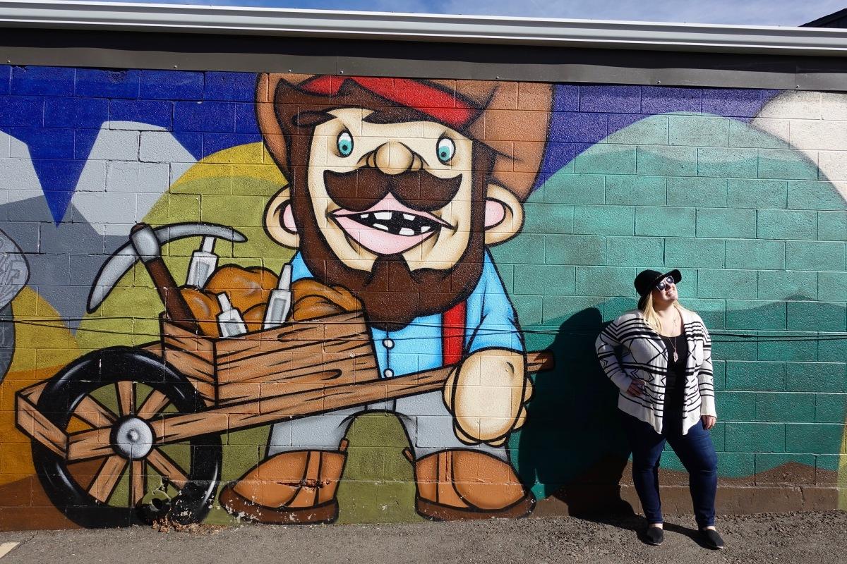 Mike Graves street art miner